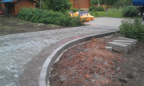 Укладка брусчатки на бетонное покрытие