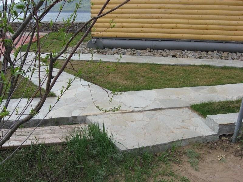 Бетонные садовые дорожки.