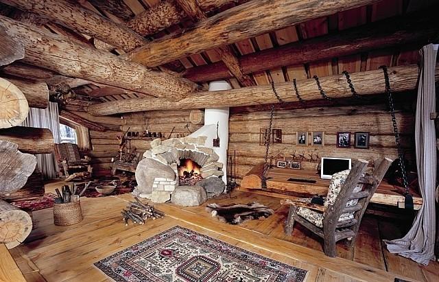 Деревянные балки перекрытия - элемент дизайна комнаты.