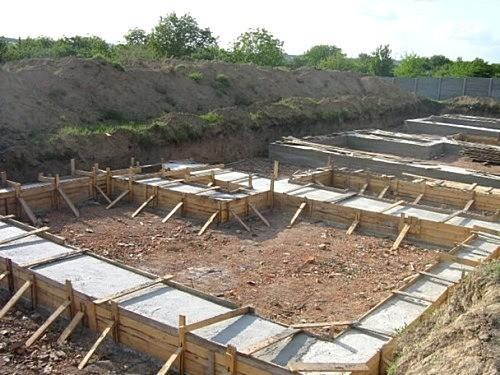 Cтроительство ленточного фундамента дома.