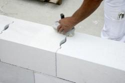 Ознакомившись с технологией кладки стен из газобетона Вы можете приступать к работе.