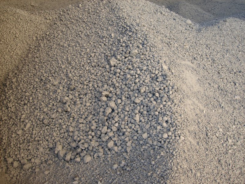 Цемент навалом.