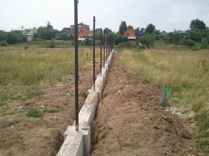 Ленточно-столбовой фундамент под забор