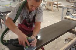 Шлифование поверхности столешницы