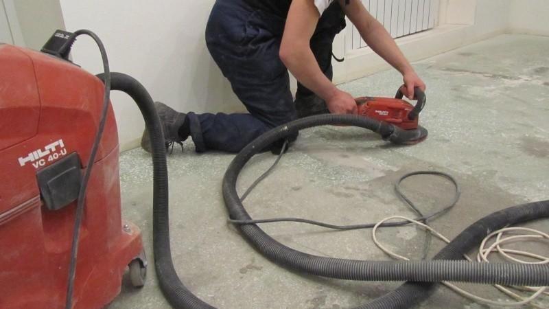 Brušenje betonskih sten z mlinom