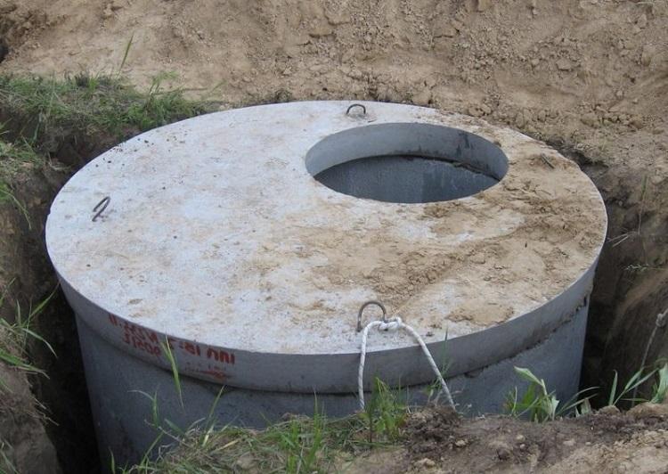 Однокамерный бетонный септик с люком