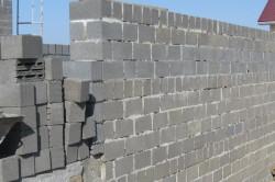 Стена из блоков
