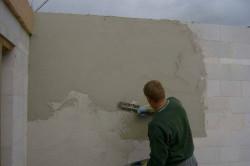 Внутренняя отделка стены выполненной из газобетона