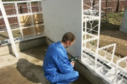 Монтаж стен из монолитного пенобетона