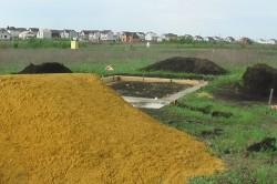 Песок на строительной площадке