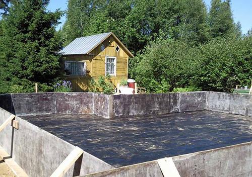 Фунадамент, залитый бетоном с жидким стеклом