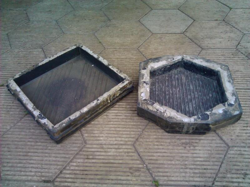 Вы можете самостоятельно соорудить формы для плитки из деревянных брусков.