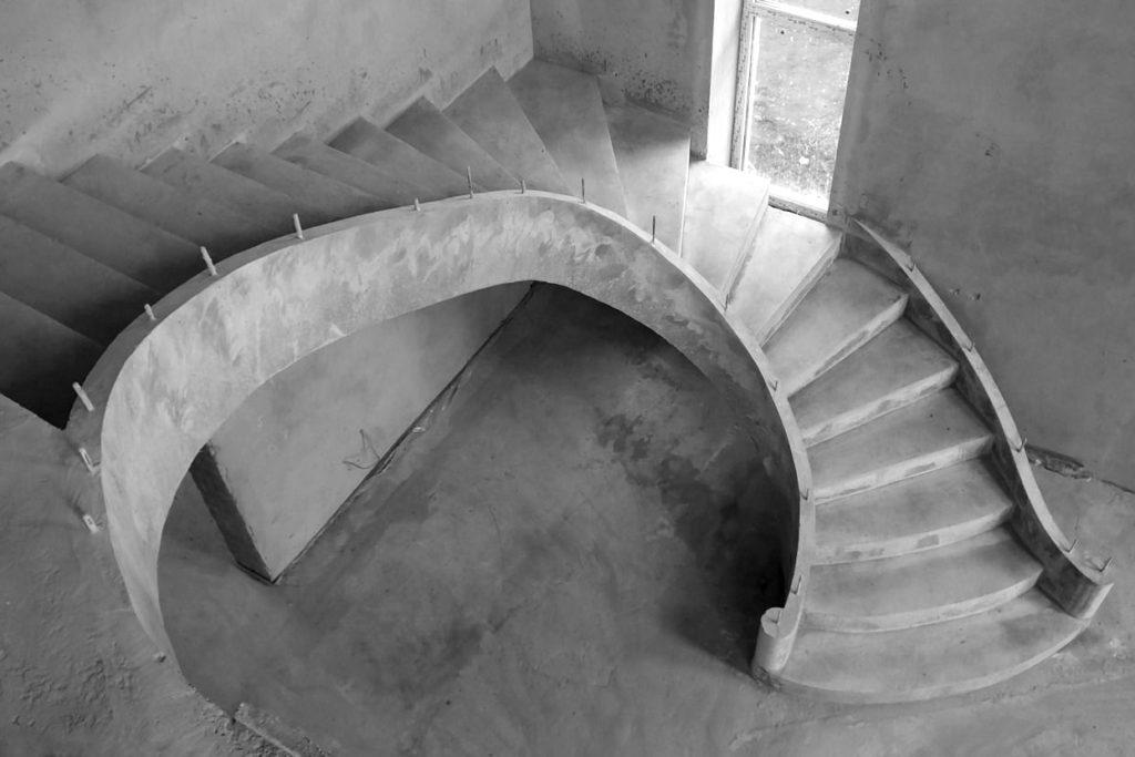 Особенности монолитных лестниц из бетона
