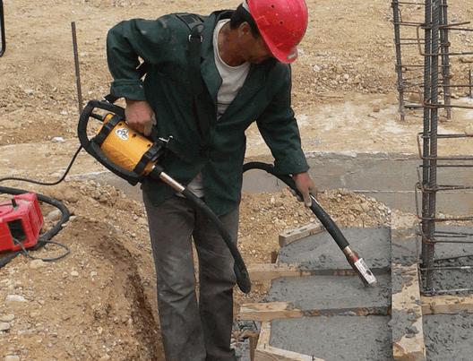 Виброуплотнение бетонной смеси