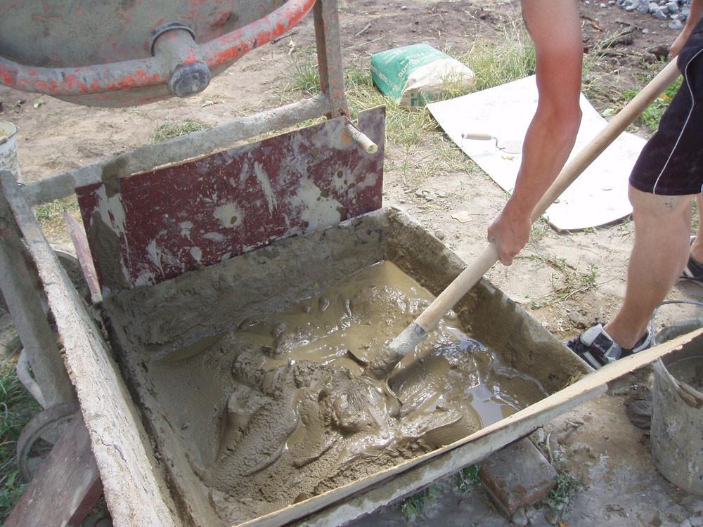 как правильно месить бетон